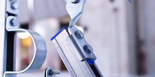 如何保证抗震支架震动的不稳定性?
